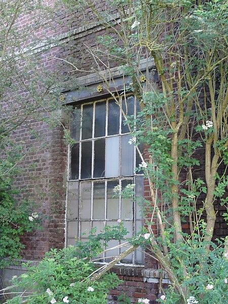La Fosse Bernard de la Compagnie des mines d'Aniche était un charbonnage constitué d'un seul puits situé à Douai (Frais-Marais), Nord, Nord-Pas-de-Calais, France.