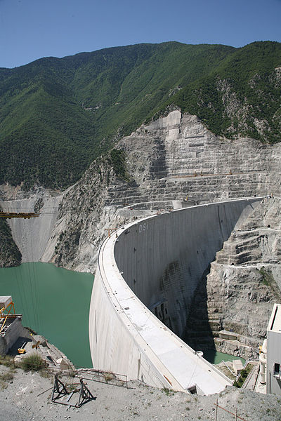Dosya:During Construction of Deriner Dam, Province of Artvin, Turkey.jpg