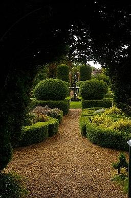 Dutch Garden, Bridge End Garden, Saffron Walden - geograph.org.uk - 950196