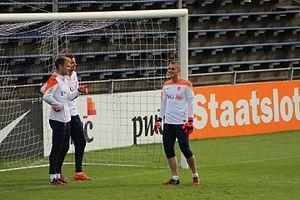 Jasper Cillessen - Cillessen (right) training with Jeroen Zoet (furthest left) and Tim Krul in October 2014