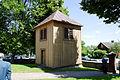Dzwonnica przy kościele Najświętszej Maryi Panny, Matki Zbawiciela w Domanowie.jpg