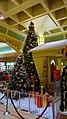 East Towne Mall Christmas Tree - panoramio.jpg