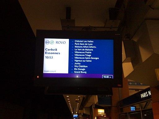 Ecran d'Infogare en gare du Nord souterraine