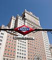 Edificio España + Boca de Metro Plaza de España.jpg