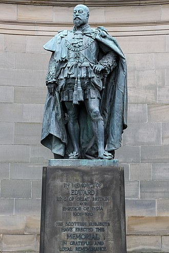 Holyrood Palace - Statue of Edward VII outside the Palace