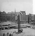 Eerste paal voor het Nationaal Monument Dam Amsterdam, Bestanddeelnr 907-1828.jpg