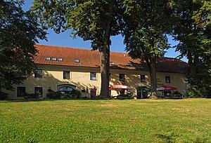 Ehem._Schüttkasten_des_Schlosses_Rosenau.jpg
