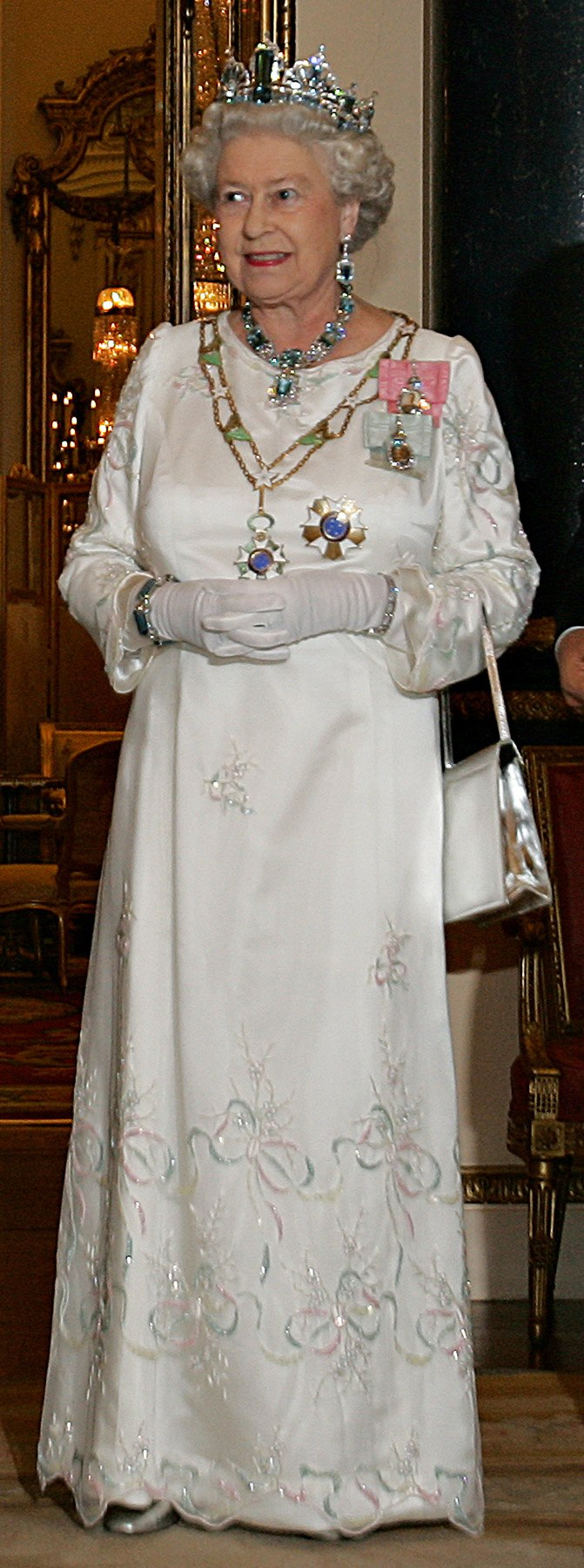 Elizabeth II, Buckingham Palace, 07 Mar 2006.jpeg