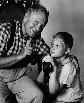 Ernest Truex - Ernest Truex and Brandon deWilde in TV series Jamie (1953)