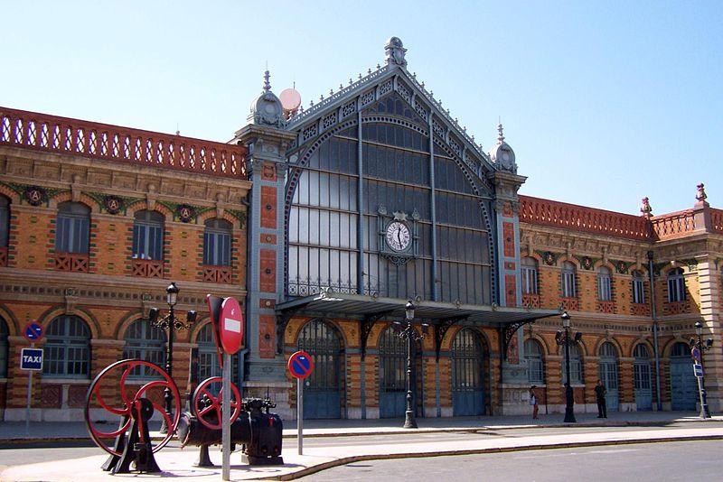 File:Estación de ferrocarril de Almería.jpg