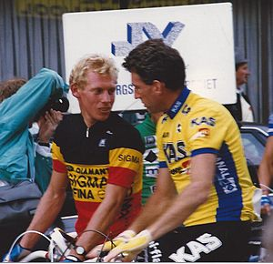 Sean Kelly (cyclist) - Kelly (right) with Etienne De Wilde in 1988