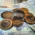 Euromünzen und Scheine.jpg