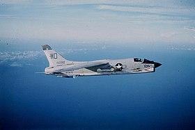 F-8E Crusader de l'aéronavale américaine en 1965.