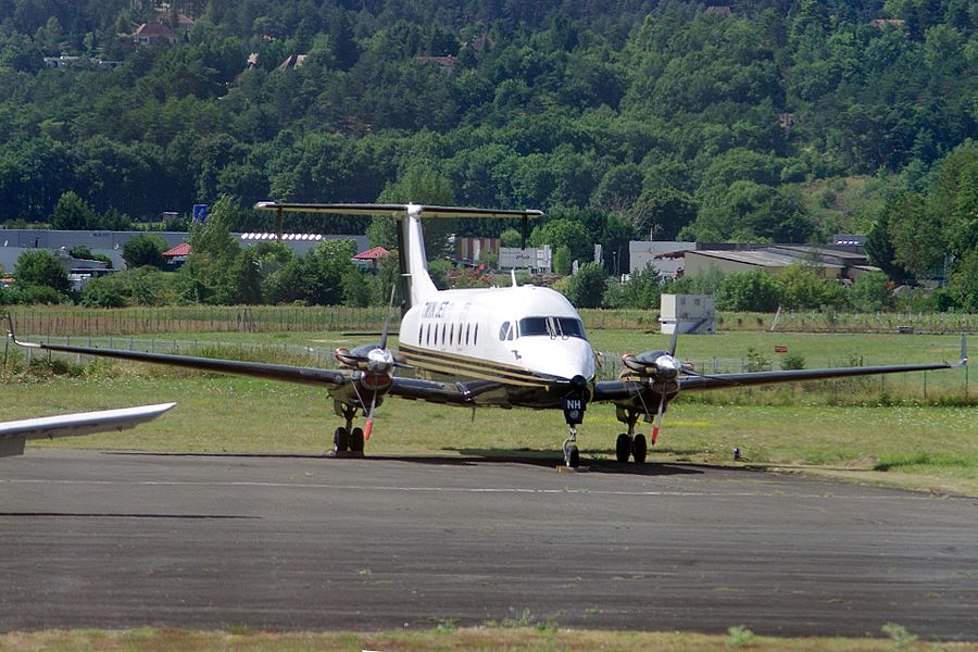 Beech 1900 of Twin Jet at Périgueux Airport.