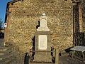 Filattiera, piazzetta con monumento ai caduti 02.JPG