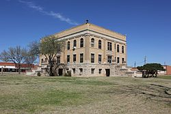 Foard County Courthouse, Crowell, Texas.jpg