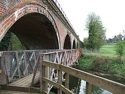 Footbridge over the Mole - geograph.org.uk - 158896
