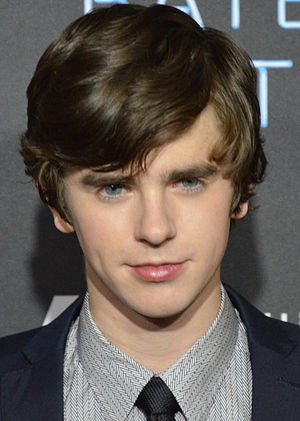 Bates Motel (season 1) - Image: Freddie Highmore 2013 (Straighten Crop)