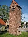 Fresdorf - alte Trafostation - panoramio.jpg