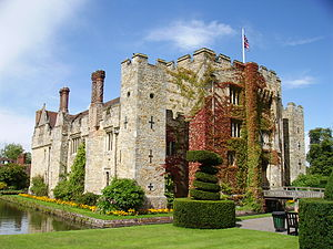 Sevenoaks District - Hever Castle is in Sevenoaks district