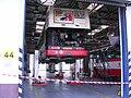Garáže Řepy, zvedáková hala, bus 3341.jpg