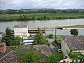 Garonne river at Castets-en-Dorthe, with the beginning of the Canal des Deux Mers (Canal de Garonne and Canal du Midi). - panoramio.jpg