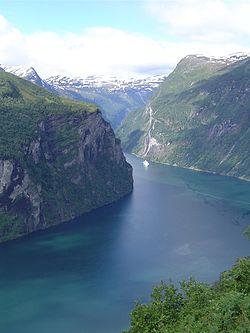 Geirangerfjord Noorwegen.JPG