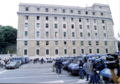 Genova-G8 2001-Questura presidiata.jpg