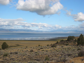 High Desert (Oregon) - Like other lakes in the high desert, Goose Lake was formed when glaciers melted after ice ages during the Pleistocene epoch.