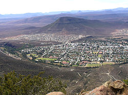 Blick vom Valley of Desolation auf Graaff-Reinet