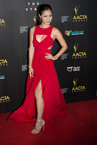 Yeojin Bae - Grace Huang wearing Yeojin Bae on 2014 AACTA Awards red carpet