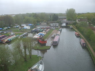 The Grand Union Canal, seen from the Metropolitan line Grand Union Canal look east near Watford.JPG