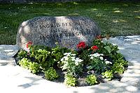 200px grave of ingmar bergman, may 2008