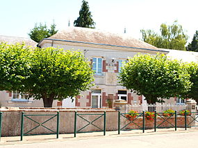 Guilly-FR-45-mairie-01.jpg