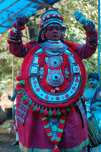 Azhikode and Azhikkal - Gulikan Theyyam at Puthiya Mundayat