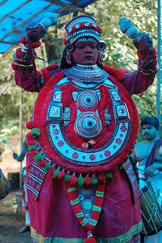 Azhikode and Azhikkal - Gulikan Theyyam at Puthiya Mundayat