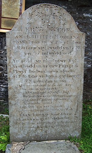 Guto Nyth Brân - Guto Nyth Brân's gravestone, where a wreath is laid before the Nos Galan race