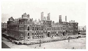Hôtel Ville Paris burnt Commune 1871.jpg