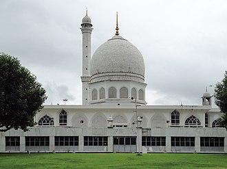 Hazratbal Shrine, Srinagar - Image: HAZRATBAL SHRINE 01