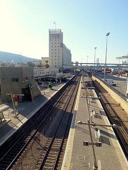 Haifa merkaz hasmona rail station.jpg