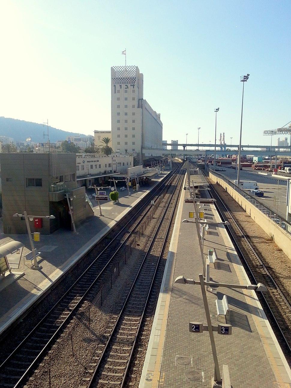 Haifa merkaz hasmona rail station