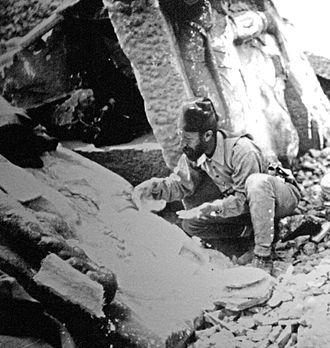 Osman Hamdi Bey - Osman Hamdi Bey excavating at the archaeological site in Mount Nemrut.