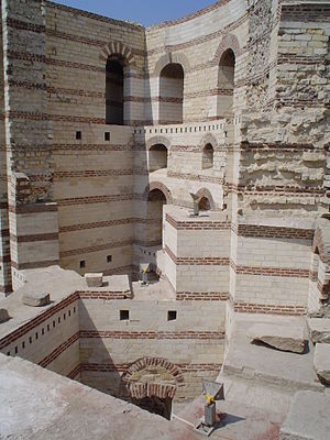 Babylon Fortress - Image: Hanging Church Cairo 2006