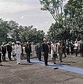 Het koninklijk paar op ereveld Menteng Poeloe in Jakarta, Bestanddeelnr 254-9028.jpg