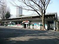 Higashien Station.jpg