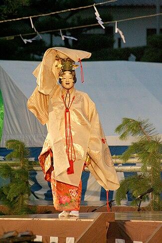 Himeji-jo Takigi Nou 39 23.jpg