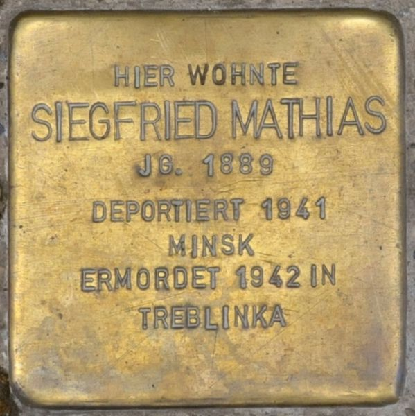 File:Hofgeismar-Stolperstein-Siegfried-Mathias-CTH.JPG