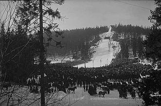 Holmenkollbakken - Holmenkollbakken in 1917, after the first scaffold had been erected