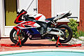 Honda CBR 1000 RR Fireblade 2004.jpg