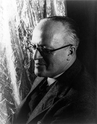Hugh Walpole - Walpole, photographed by Carl Van Vechten, 1934